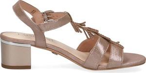 Sandały Caprice ze skóry na obcasie w stylu casual