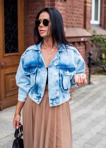 Niebieska kurtka Fason z jeansu krótka