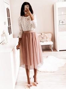 Różowa spódnica Pakuten