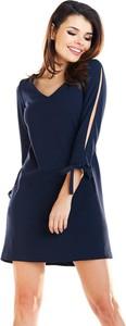 Niebieska sukienka Awama z długim rękawem mini z dekoltem w kształcie litery v