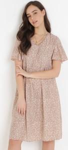 Sukienka born2be z dekoltem w kształcie litery v oversize z krótkim rękawem
