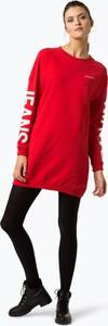 Czerwona sukienka Calvin Klein z długim rękawem oversize z okrągłym dekoltem