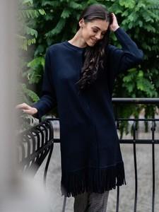 Granatowy sweter POTIS & VERSO w stylu boho