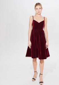 Czerwona sukienka Mohito rozkloszowana midi