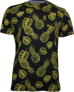 T-shirt Brave Soul w młodzieżowym stylu z tkaniny