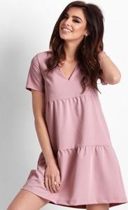 Różowa sukienka Ivon mini z dekoltem w kształcie litery v