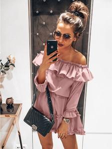 Różowa sukienka magmac.pl z długim rękawem w stylu casual hiszpanka