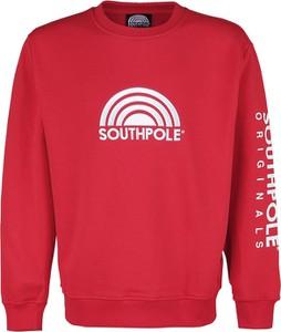 Czerwona bluza Emp w młodzieżowym stylu