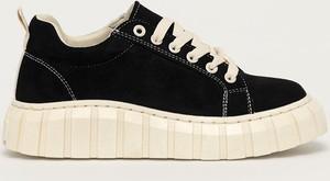 Buty sportowe Answear Lab sznurowane na platformie
