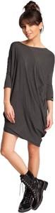 Czarna sukienka BeWear z okrągłym dekoltem w stylu casual prosta