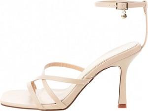 Sandały Prima Moda z klamrami ze skóry