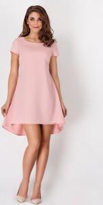 Różowa sukienka Awama mini z okrągłym dekoltem