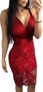 Bordowa sukienka Elegrina