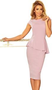 Różowa sukienka NUMOCO z krótkim rękawem z okrągłym dekoltem baskinka
