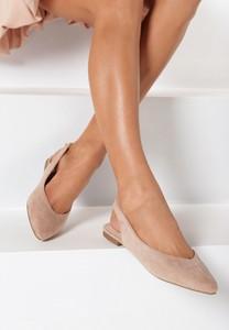 Różowe sandały born2be z płaską podeszwą