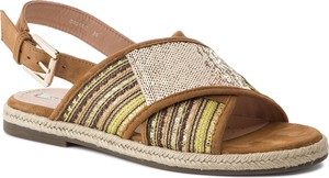 Sandały Geox z płaską podeszwą z klamrami w stylu retro