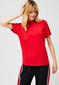 Czerwona bluzka Moodo z okrągłym dekoltem
