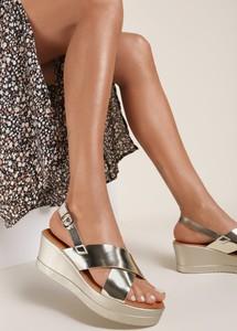 Złote sandały Renee ze skóry z klamrami