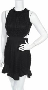 Czarna sukienka Trendyol mini bez rękawów z okrągłym dekoltem