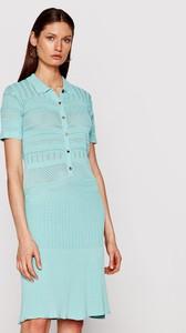 Niebieska sukienka Guess by Marciano koszulowa