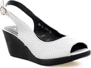cef7e1fcbe0bc Białe buty damskie Karino, kolekcja wiosna 2019