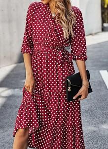 Sukienka Arilook midi z dekoltem w kształcie litery v w stylu casual