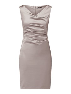 Sukienka Vera Mont z dekoltem w kształcie litery v