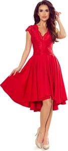 Czerwona sukienka NUMOCO asymetryczna z dekoltem w kształcie litery v