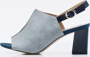 Niebieskie sandały Monnari ze skóry w stylu glamour z klamrami