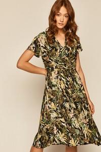 Sukienka Medicine z dekoltem w kształcie litery v z krótkim rękawem z tkaniny