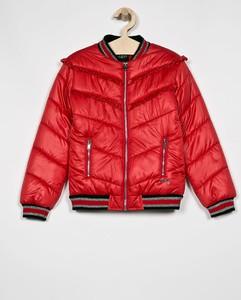 Czerwona kurtka dziecięca Guess Jeans