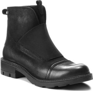 Czarne botki Lasocki z nubuku w stylu casual