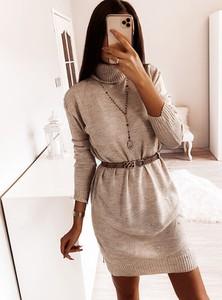 Sukienka Pakuten z golfem z długim rękawem mini