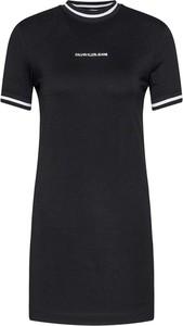 Sukienka Calvin Klein z krótkim rękawem mini dopasowana