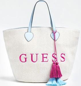 Torebka Guess w wakacyjnym stylu z bawełny z haftem