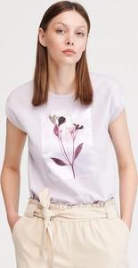 Różowy t-shirt Reserved w młodzieżowym stylu