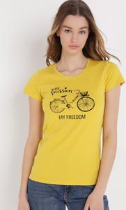 T-shirt born2be z bawełny z okrągłym dekoltem w młodzieżowym stylu