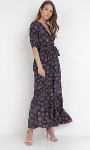 Sukienka born2be trapezowa z długim rękawem maxi