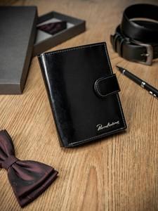 Czarny portfel męski Pierre Andreus ze skóry na karty kredytowe