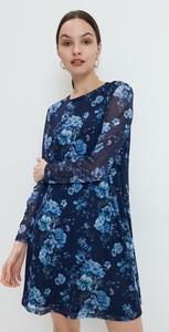 Sukienka Mohito z okrągłym dekoltem w stylu casual