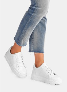 Buty sportowe DeeZee z płaską podeszwą sznurowane