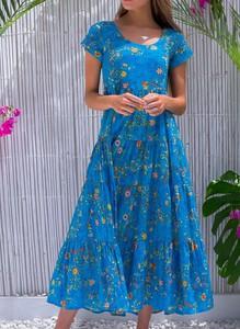Niebieska sukienka Cikelly maxi z krótkim rękawem z okrągłym dekoltem