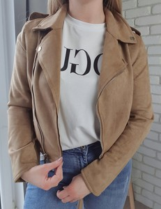 Brązowa kurtka MON BOUTIQUE w stylu casual z zamszu krótka