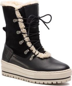 Czarne śniegowce Tamaris sznurowane na platformie w stylu casual