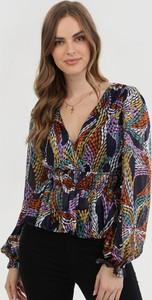 Granatowa bluzka born2be z dekoltem w kształcie litery v
