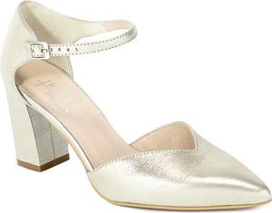 Złote sandały Kotyl ze skóry z klamrami