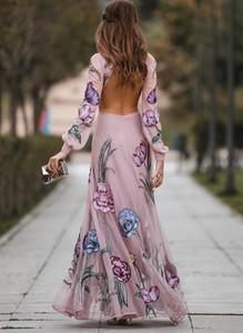 Różowa sukienka Sandbella z szyfonu