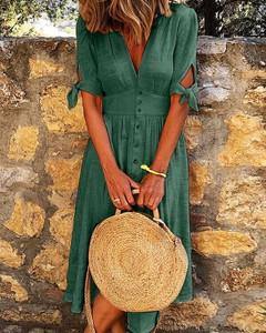 Zielona sukienka Kendallme midi z dekoltem w kształcie litery v