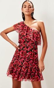 Sukienka Trendyol z krótkim rękawem mini rozkloszowana
