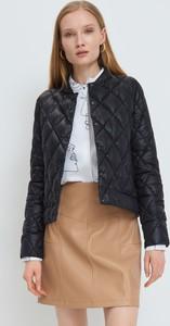Czarna kurtka Mohito krótka w stylu casual